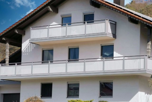 Größzügiges Haus mit Alu Classic Vilshofen Balkongeländer