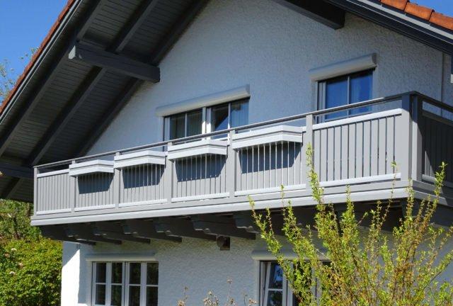 Brezčasna aluminijasta balkonska ograja z ograjo iz nerjavečega jekla - Aluminijasti balkon Alu Classic Vilshofen