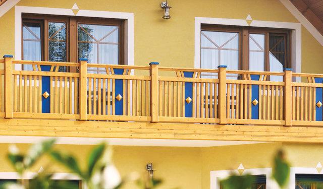 Leseni balkoni pri Leeb Balkone GmbH v številnih modelih ograj